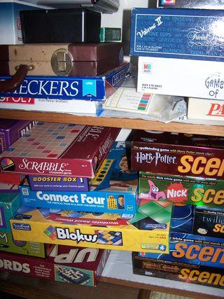 Game closet 002